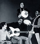 Jorge Ben (center) with Trio Mocotó