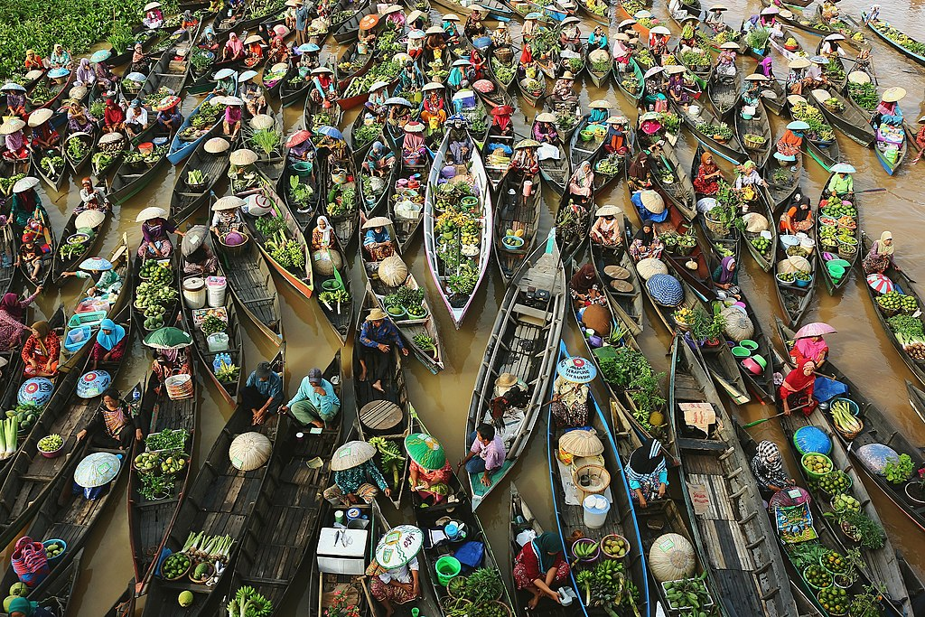 Jukung Pasar Terapung.jpg