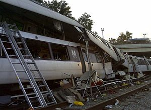 Telescoping (rail cars) - Image: June 22, 2009 WMATA Collision NTSB accident photo 422860