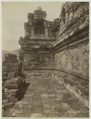 KITLV 19523 - Kassian Céphas - Borobudur in Central Java - 1901-03-1902-07.tif