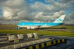 KLM Boeing 747 at Amsterdam airport (39349741664).jpg