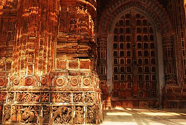 Kantanagar-Temple -Close-shot-02.jpg