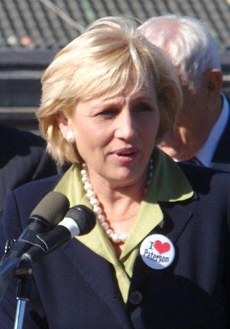 Kim Guadagno - Image: Kim Guadagno 2011 (cropped)