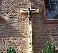 Kreuz an der katholischen Kirche - panoramio.jpg