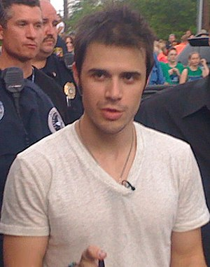 Kris Allen, finalist on American Idol, in Conw...