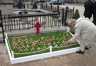 Temporary memorial for Remembrance Day in the Channel Islands, 2011 Le Jour d'la Memouaithe 2011 Saint Helyi Jerri 11.jpg