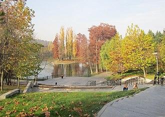 Titan, Bucharest - Image: Lac titan Parcul Titan IOR Alexandru Ioan Cuza Bucuresti