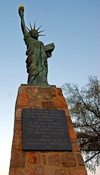 File:Lady Liberty of Chimborazo.jpg