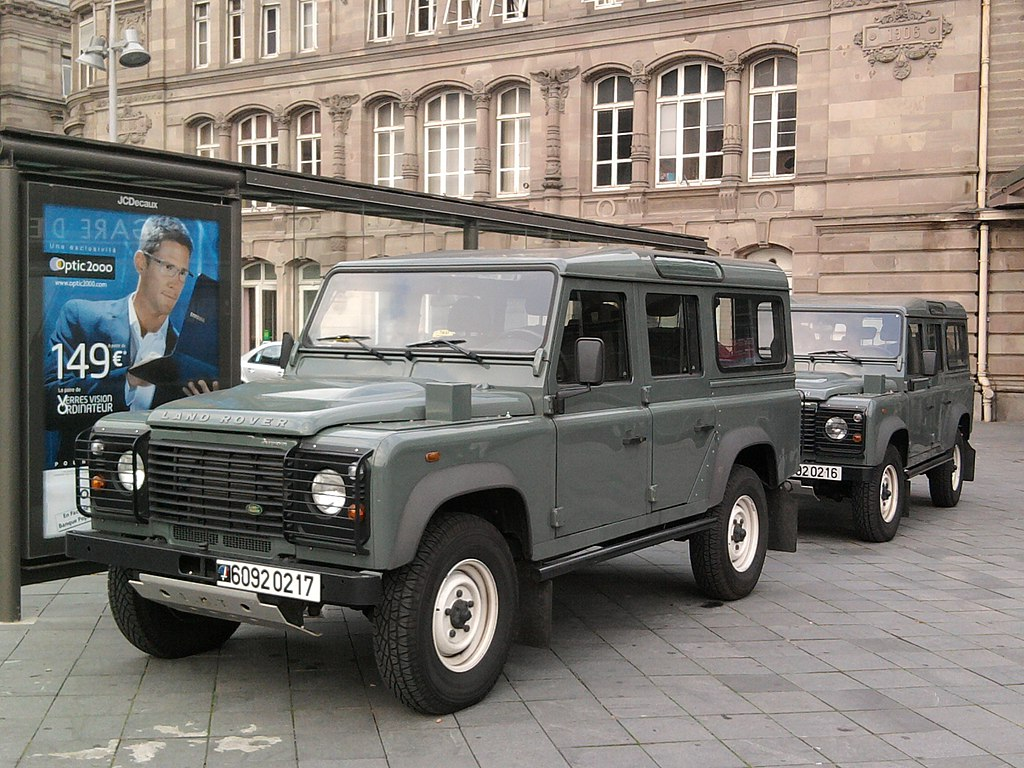 file land rover defender fr army wikimedia commons. Black Bedroom Furniture Sets. Home Design Ideas