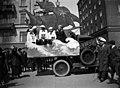 Lastenpäivät, juhlakulkue 11 toukokuuta 1924 Merikadulla - N2286 (hkm.HKMS000005-000001ky).jpg