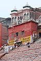 Le Kedar Ghat (Varanasi) (8472444740).jpg