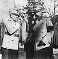 Le roi de Roumanie et le général Iliesco - Médiathèque de l'architecture et du patrimoine - AP62T099783.jpg