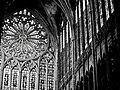 Le verre remplace la pierre (cathédrale de Metz).jpg