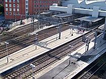 Leeds City Station outer platforms.jpg