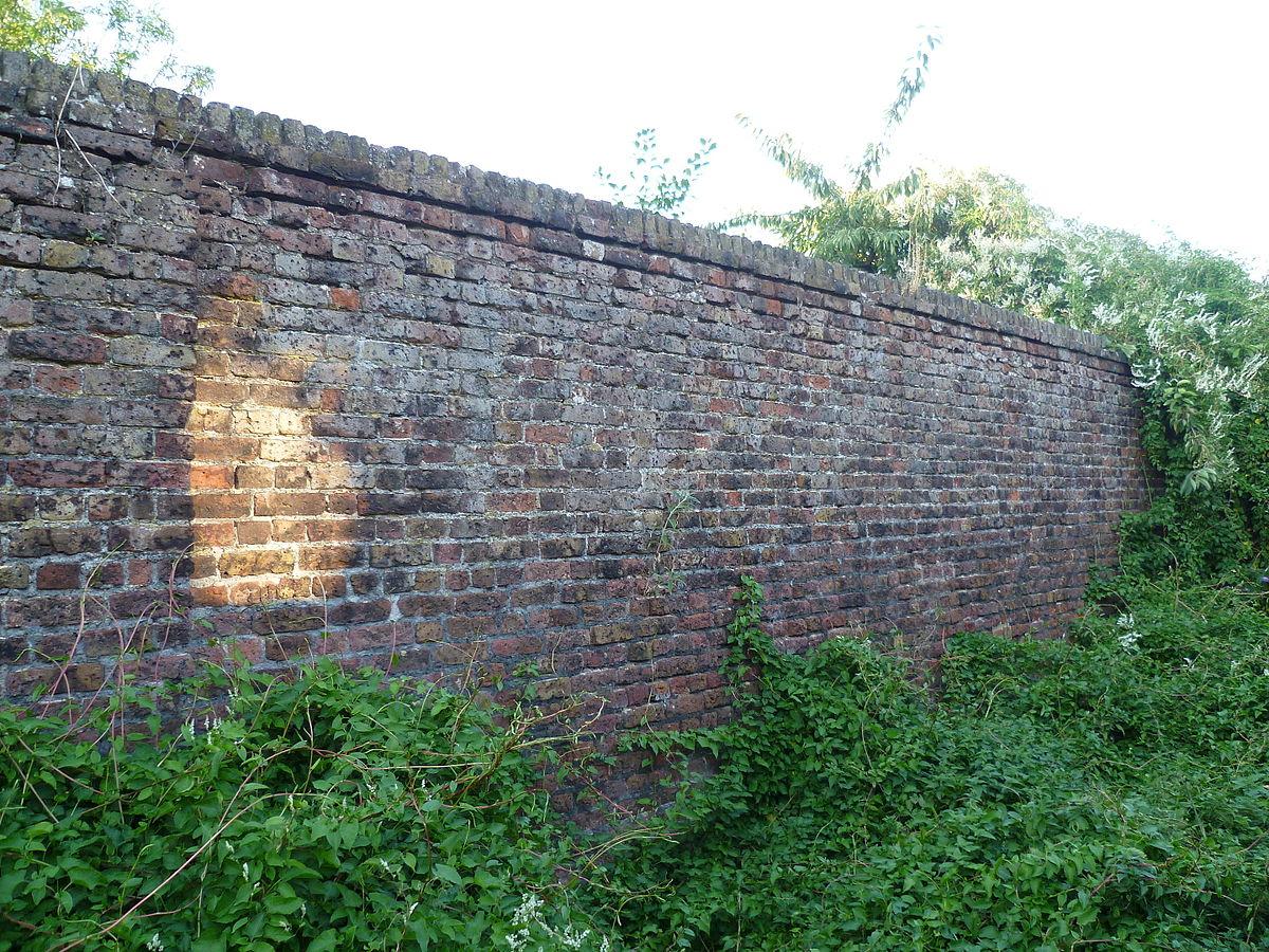File Little Grove Kitchen Garden Wall Remains 04 Jpg Wikimedia