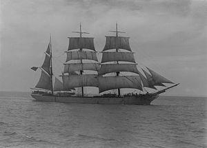 Loch Linnhe (ship, 1876) - SLV H91.250-914.jpg