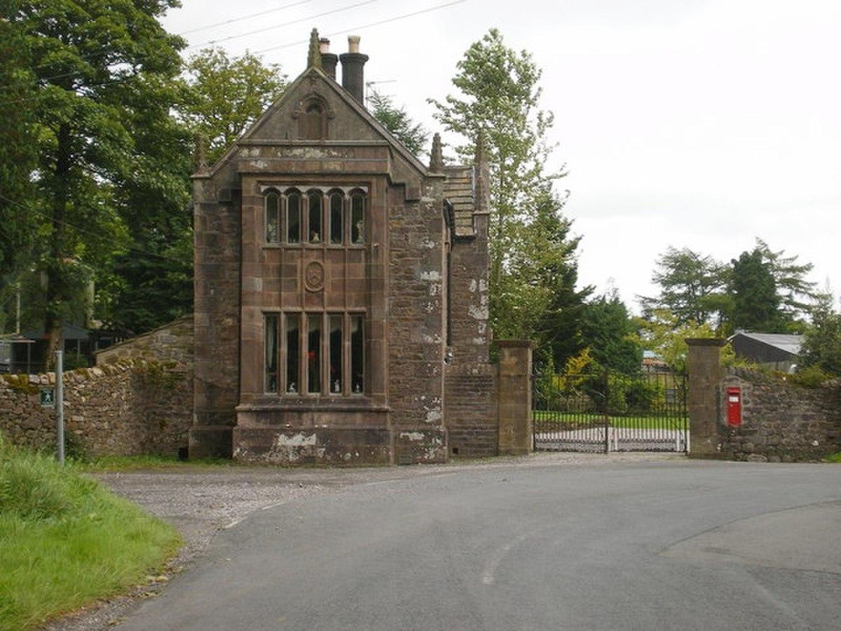 Lodge to Browsholme Hall - geograph.org.uk - 1447375.jpg