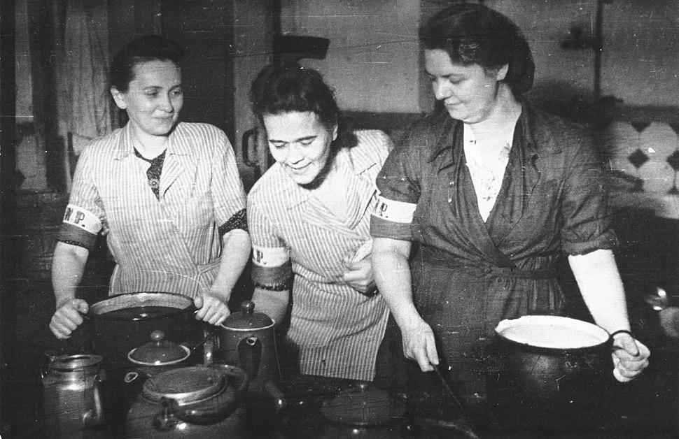 Lokajski - Stołówka powstańcza w Adrii (1944)