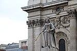 London - Queen Anne Statue.jpg