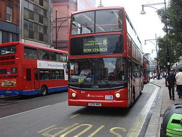 Agarron en bus 8
