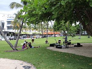 Lummus Park, Miami Beach - Image: Lummus Park Miami Beach People