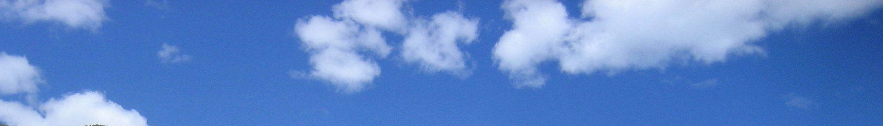 Lumpytrout page banner wikivoyage blue sky clouds.jpg