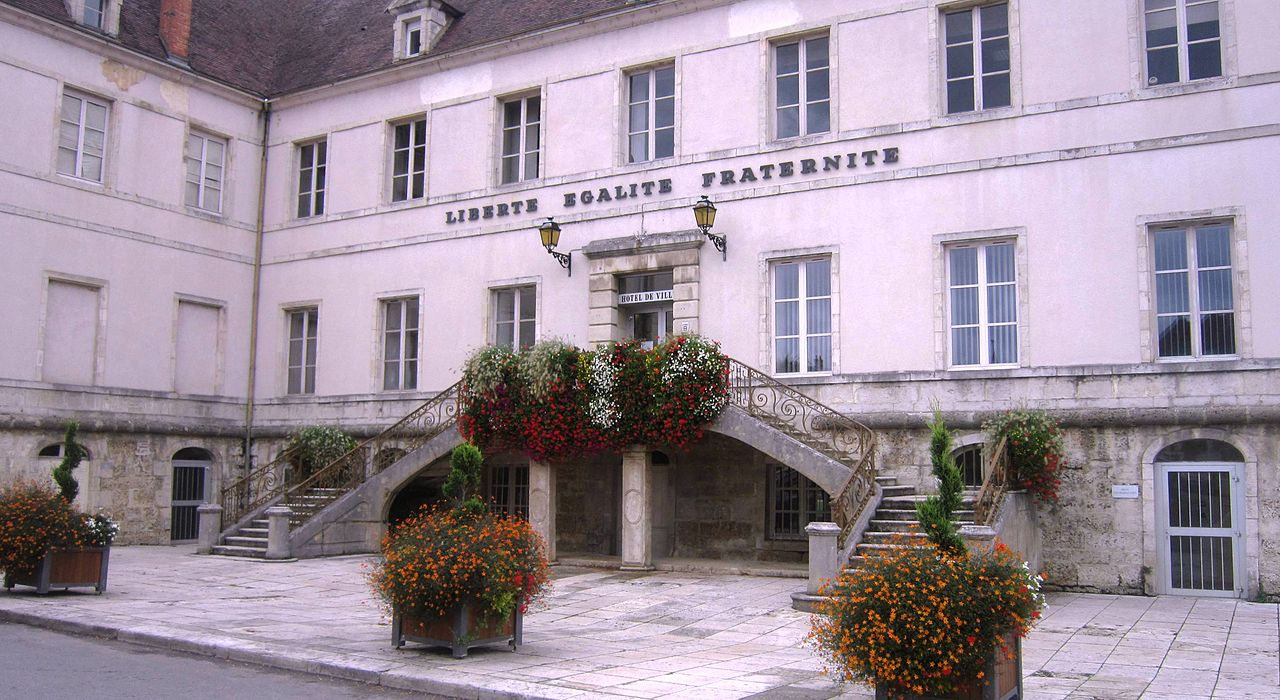 Par ordre alphabétique, des villes et des villages . - Page 5 1280px-Mairie_Ch%C3%A2tillon-sur-Seine