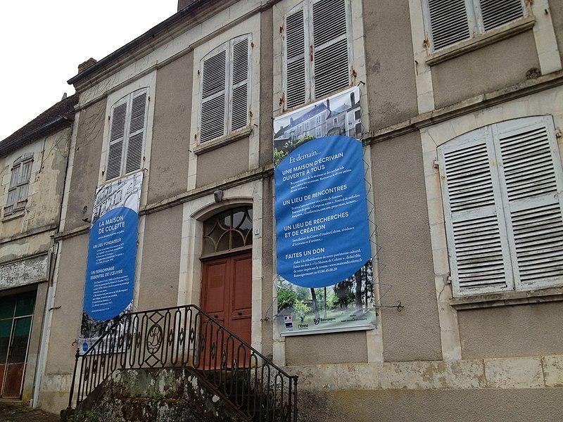 Maison natale de Colette en avril 2011.