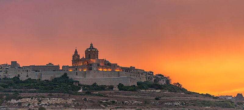 File:Malta's Old Capital City, Imdina, During Sunset.jpg