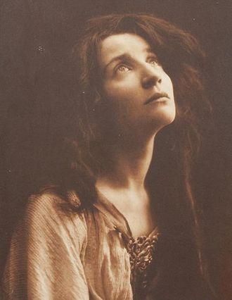 The Daughter of Iorio - Alda Borelli as Mila, the daughter of Iorio, in 1910
