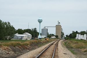 Melvin, Illinois - Melvin, Illinois water tower and grain elevator