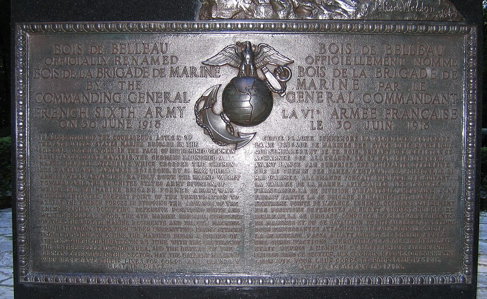 Belleau Wood Marines Memorial commemorative plate. This text (in English and in French) is positionned below the Iron Mike at Belleau Wood.