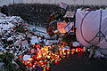 Memorial to November 2015 Paris attacks at French embassy in Moscow 04.jpg