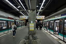 Metro L1 Esplanade IMG 5584