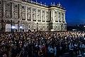 Miles de personas convierten la explanada de la calle Bailén en una gran pista de baile 01.jpg