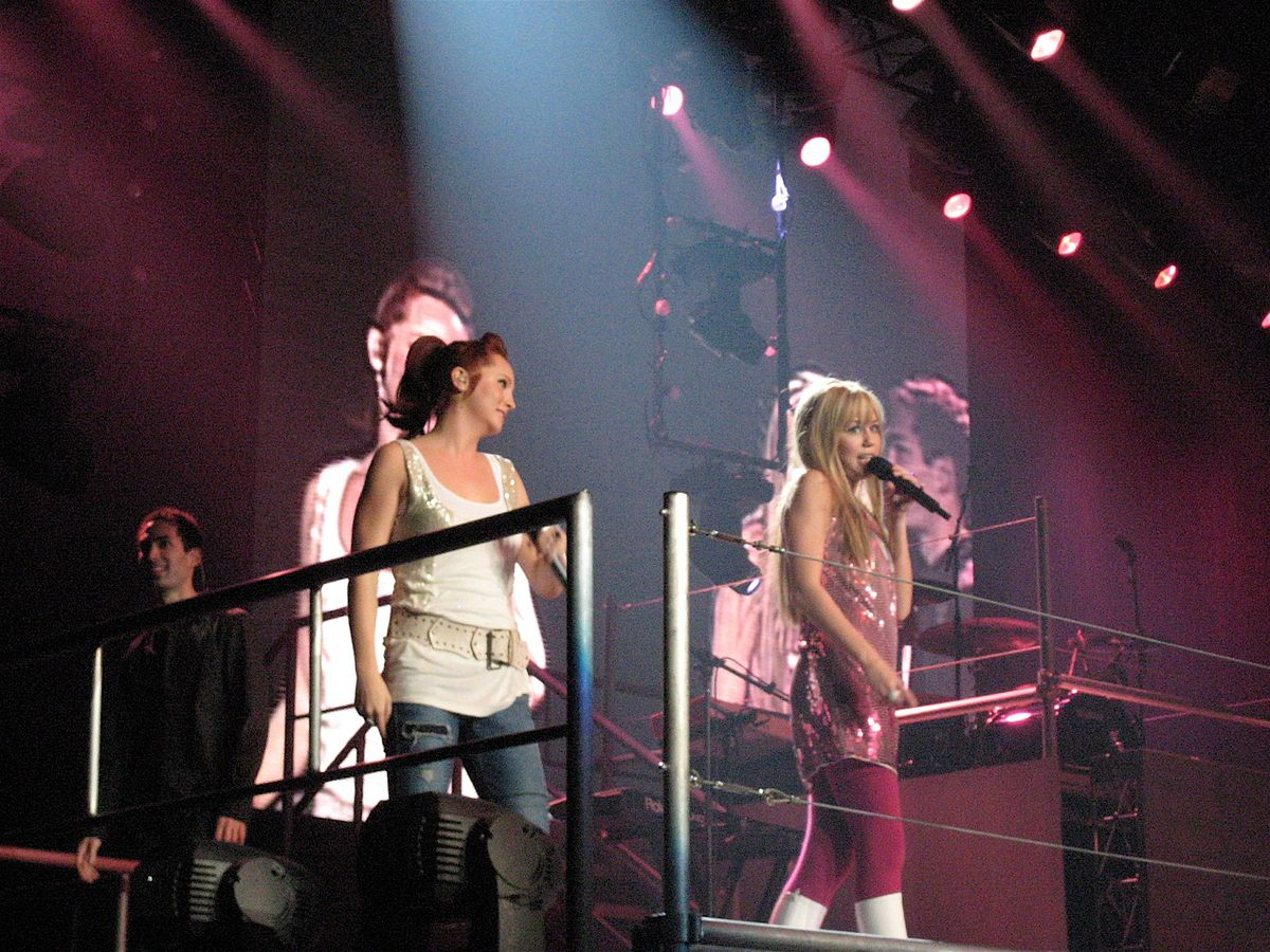 Miley Cyrus Tour  Wiki