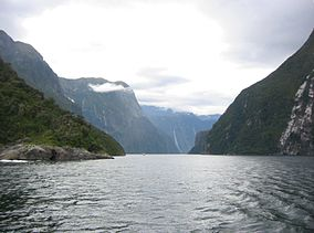 Milford Sound NZ.jpg