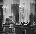 Minister Luns tijdens zijn rede in de Tweede Kamer , minister Luns, Bestanddeelnr 914-7743.jpg