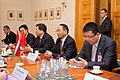 """Ministru prezidents Valdis Dombrovskis tiekas ar pasaules vadošo telekomunikāciju risinājumu ražotāja """"Huawei Technologies Investment"""" vadību (6429648281).jpg"""