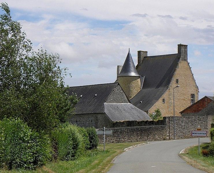 Ancien presbytère de Montourtier.