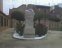 http://upload.wikimedia.org/wikipedia/commons/thumb/3/36/MonumentoArmeniosMislata_1.jpg/200px-MonumentoArmeniosMislata_1.jpg