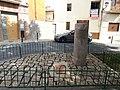 Monumento a la cuarta milla del camino romano.jpg
