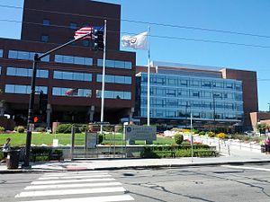 Mount Auburn Hospital - Main Entrance from Mount Auburn Street