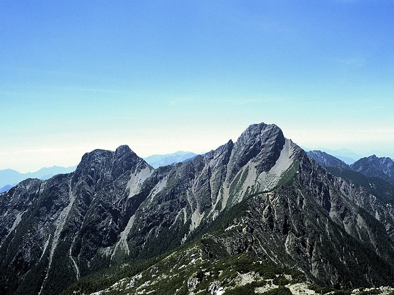 File:Mount Yu Shan - Taiwan.jpg