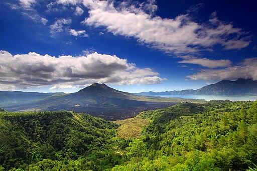 Monte Batur y el lago