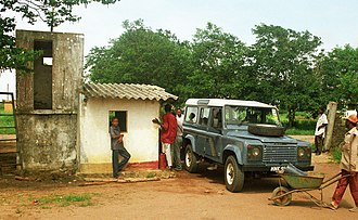 A Land Rover Defender in eastern Africa, made in Solihull MuedaGas 0126.jpg