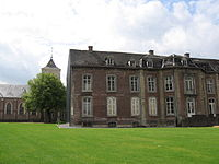 Munsterbilzen, ancien palais abbatial (et église).JPG