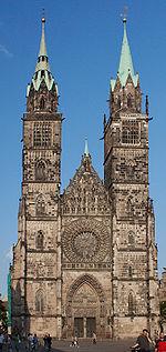 Nürnberg St. Lorenz Türme Totale
