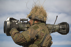 MBT LAW - Soldier aiming a practice NLAW.