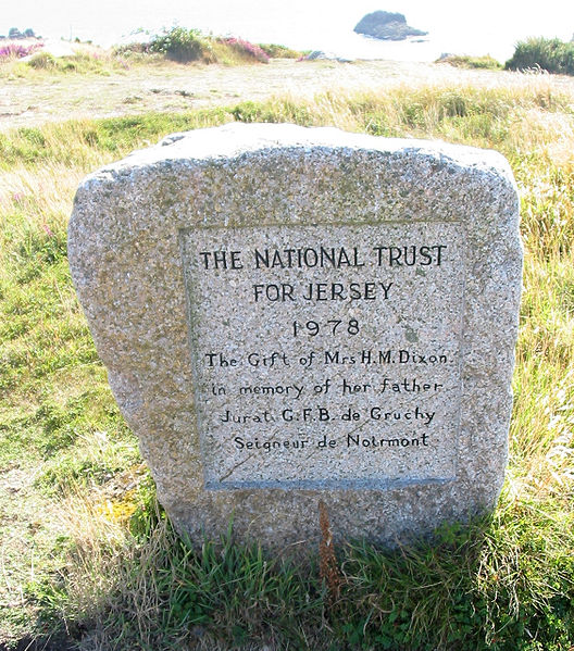 File:National Trust for Jersey 1978 C'meune dé Haut Saint Brélade Jèrri.jpg